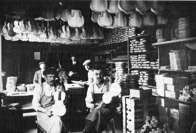 Photo de l'atelier d'Albert Deblaye non datée.